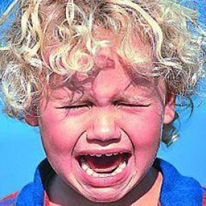 Как мы учим детей управлять нами при помощи истерики?